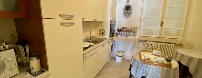 Villa Front Lake Como Dervio  - kitchen