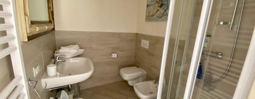 Villa Front Lake Como Dervio - bathroom
