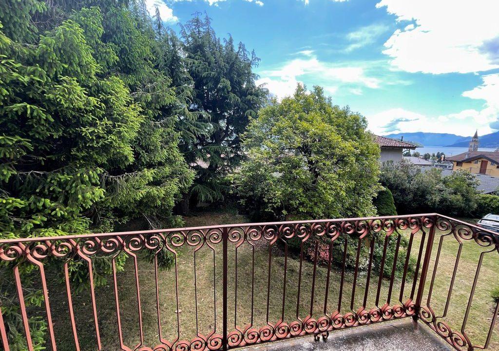 Lake Como Period Villa with Park Domaso - balcony