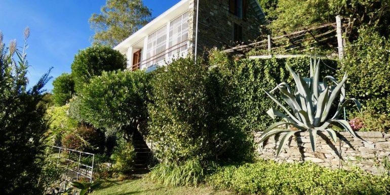 Villa Front Lake Como with 5 bedrooms