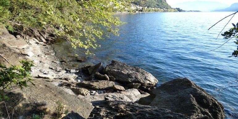 Villa Front Lake Como - private beach