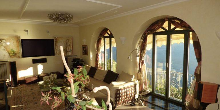 Villa Bellagio large windows on the lake