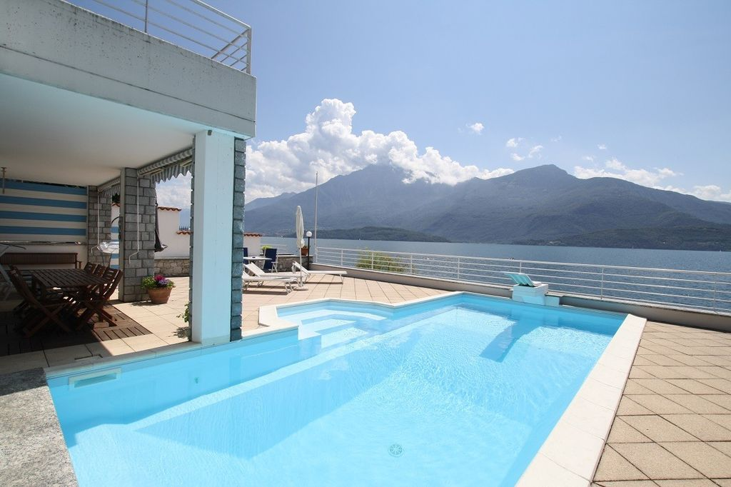 Lake Como Gravedona ed Uniti Villa with Dock Front lake