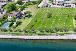 Villa Front Lake Pianello del Lario with dock