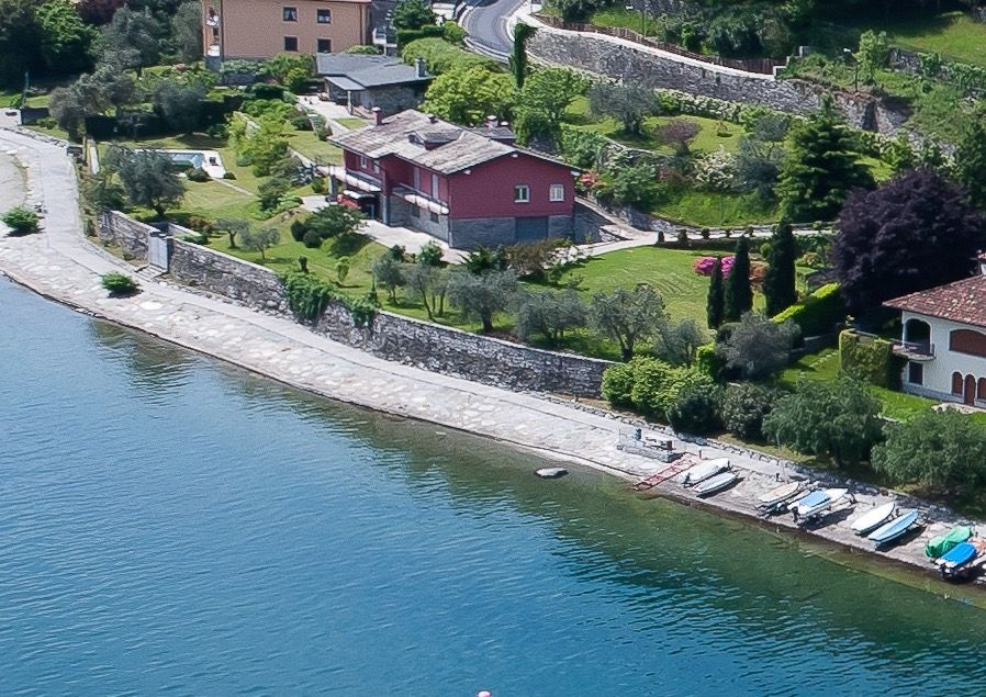 Pianello del Lario Front Lake Villa with Swimming Pool