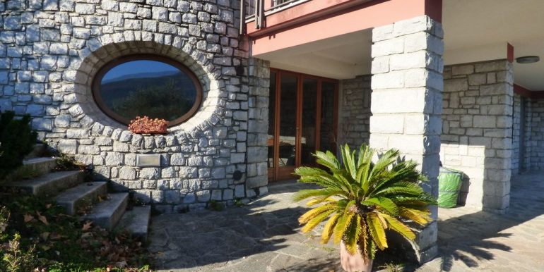 Pianello del Lario Front Lake Villa with Swimming Pool sunny location
