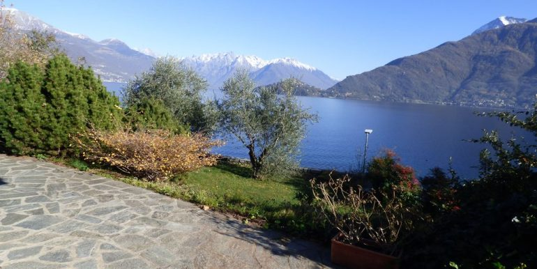 Pianello del Lario Front Lake Villa with Swimming Pool lake views