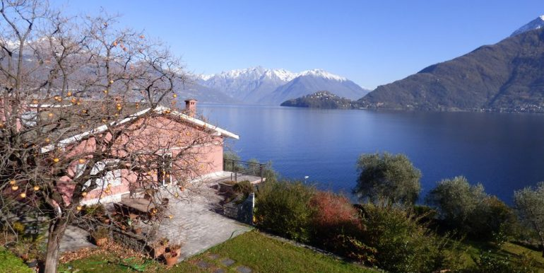 Pianello del Lario Front Lake Villa with Swimming Pool with dependance