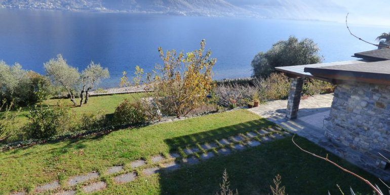 Pianello del Lario Front Lake Villa with Swimming Pool garage