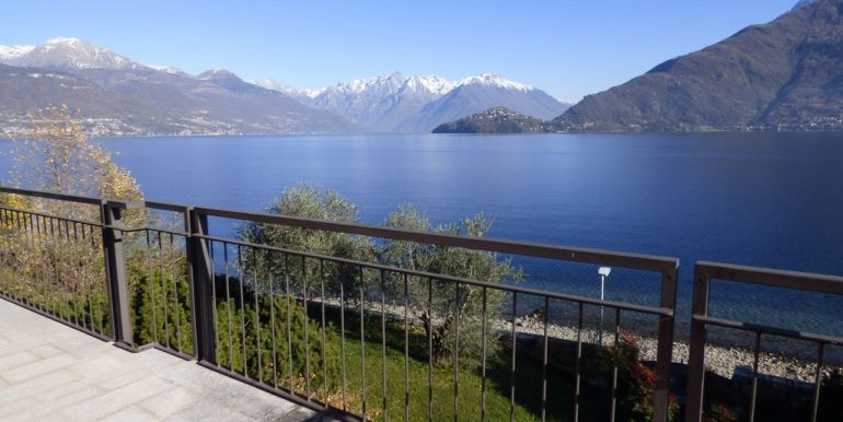 Pianello del Lario Front Lake Villa with Swimming Pool terrace