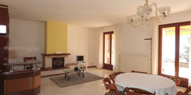 Detached House Gravedona ed Uniti with fireplace