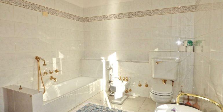 Detached House Gravedona ed Uniti - bathroom
