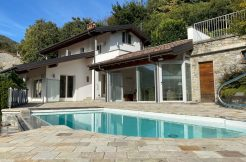 Lake Como Villa with Swimming Pool Gravedona ed Uniti