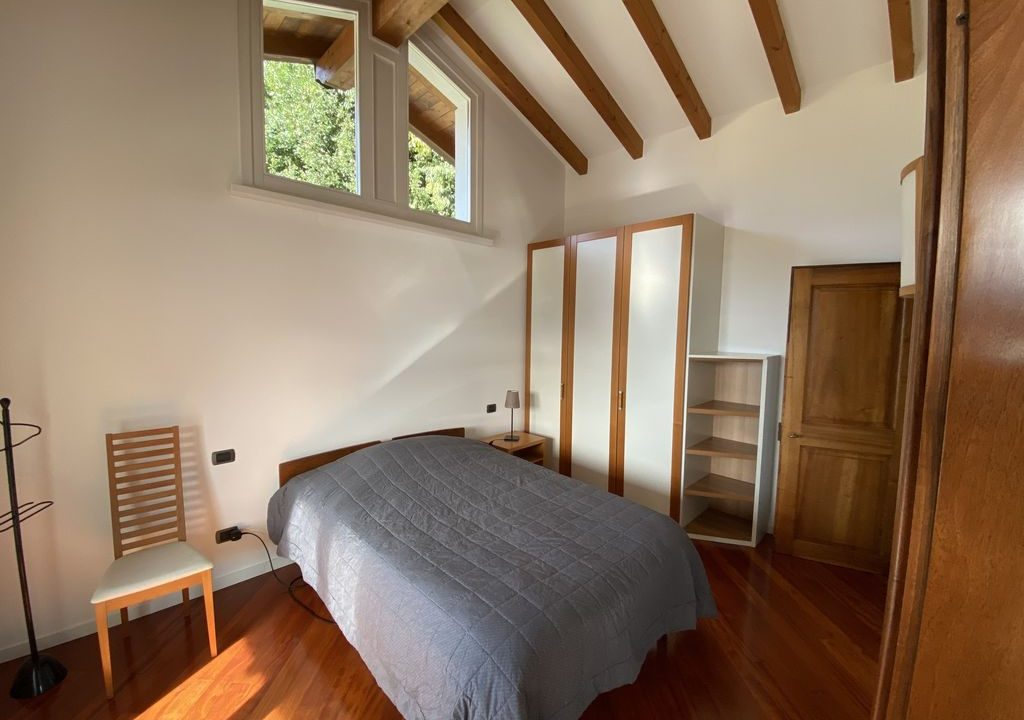Lake Como Villa with Swimming Pool Gravedona ed Uniti - bedroom