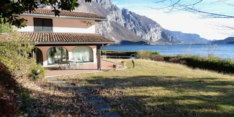 Villa Front Lake Abbadia Lariana Lake Como with parking