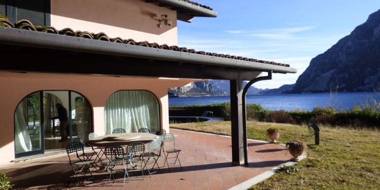 Villa Front Lake Abbadia Lariana Lake Como Porch and terrace