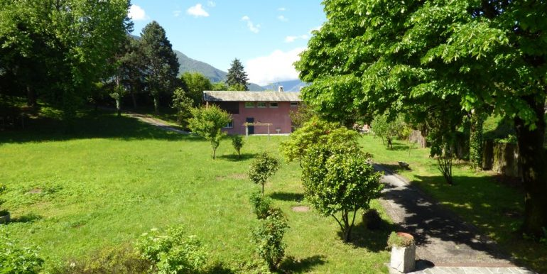 Lake Como Colico Independent Villas with Park