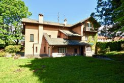 Lake Como Colico Independent Villas with Park with fireplace