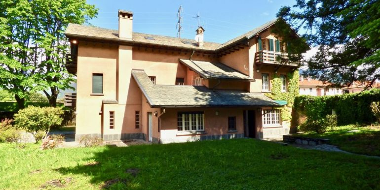 Lake Como Colico Independent Villas with Park of 5800sqm
