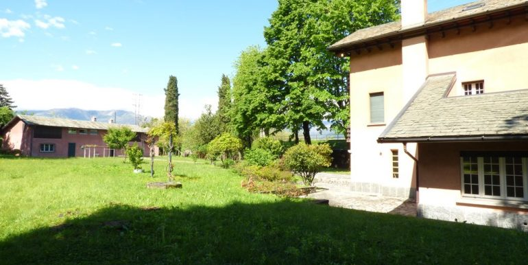 Lake Como Colico Independent Villas with Park - two properties