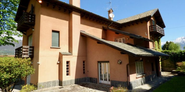 Lake Como Colico Independent Villas with Park sunny