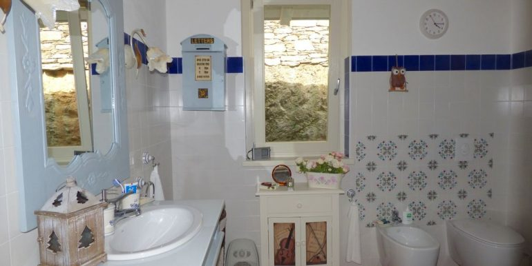 Detached Villa with Lake View - Dervio - bathroom