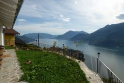 Detached Villa with Lake View - Dervio sunny