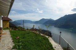 Detached Villa with Lake View - Dervio sunny