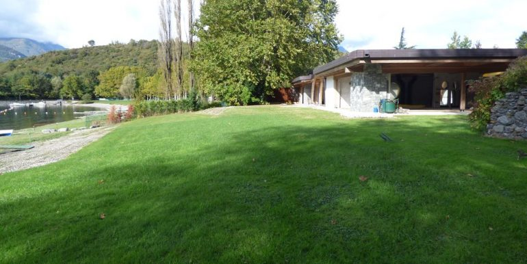 Villas Front Lake Como Colico with Boathouse and land
