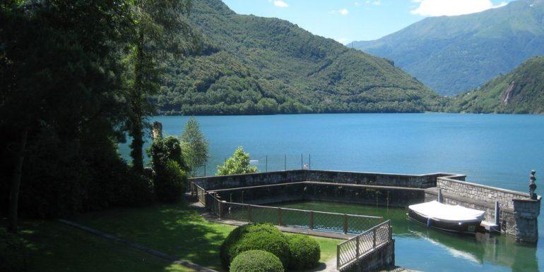 Colico Villa Front Lake peaceful location