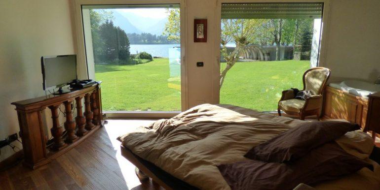 Colico Villa Front Lake - bedroom