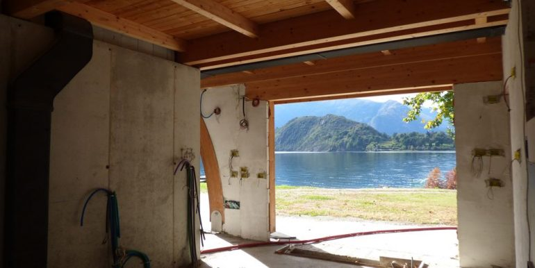 Villas Front Lake Como Colico with Boathouse to complete