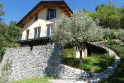 Independent Villa Gera Lario Lake Como . car park