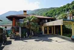 Independent Villa Gera Lario with Garden property