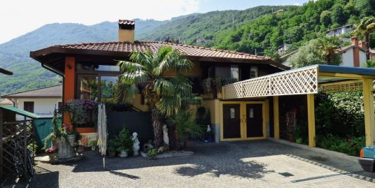 Independent Villa Gera Lario with Garden
