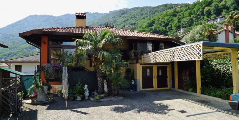 Independent Villa Gera Lario with Garden