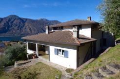 Villa Mandello del Lario sunny