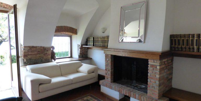 Lake Como Menaggio Detached Villa - fireplace