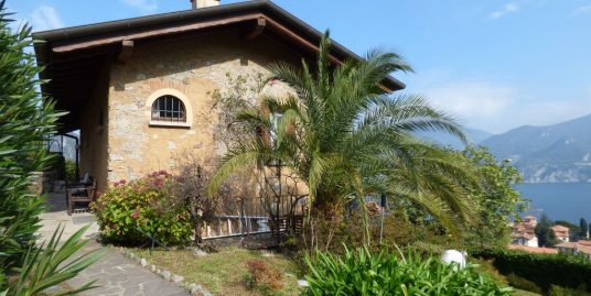 Lake Como Menaggio Detached Villa with Garden
