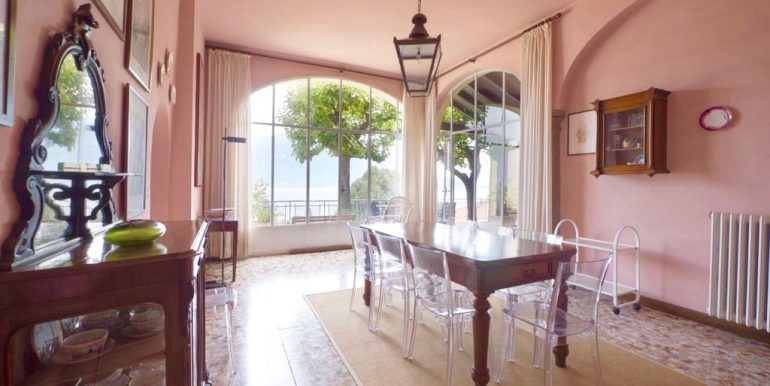 Villa Lake Como Menaggio Central Location dining room