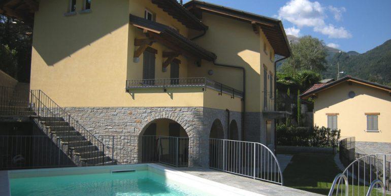 Villa Menaggio - garden and swimming pool