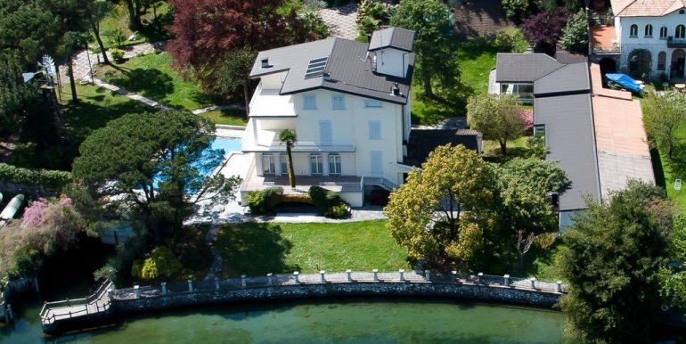 Bellagio Luxury Villa Front Lake with Boathouse