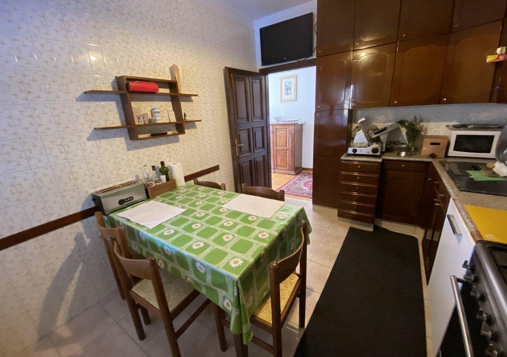 Lake Como Menaggio Villa with Terrace - kitchen