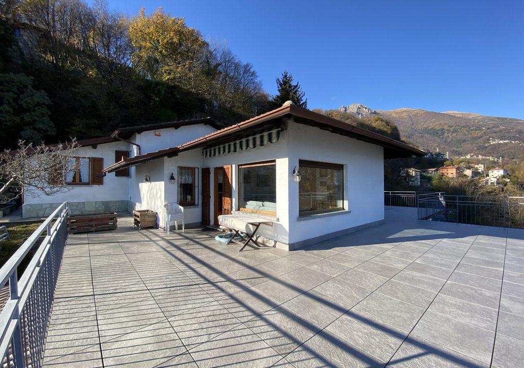 Lake Como Menaggio Villa with Terrace - garage