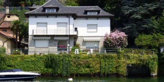 Villa Front Lake with Boathouse – Pognana Lario