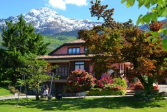 Lake Como Colico Detached Villa with Garden