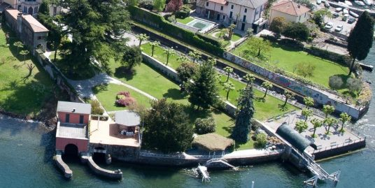 Faggeto Lario Wonderful Period Villa with Dock