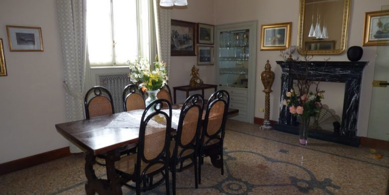Faggeto Lario Villa with fireplace