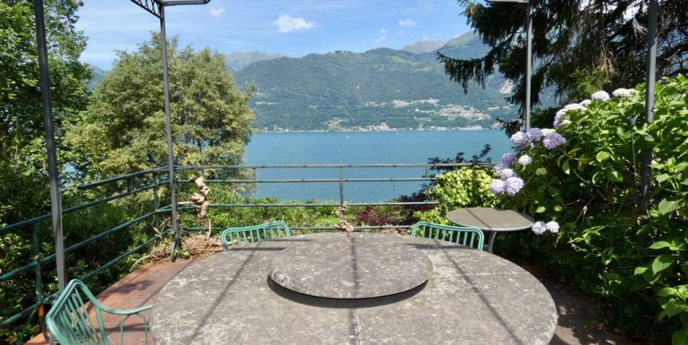 Luxury Villa Front Lake Colico with Boathouse - unique location