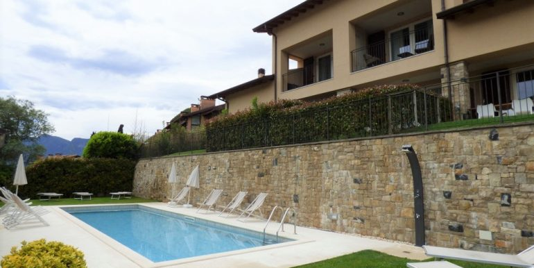 Swimming pool - Lake Como